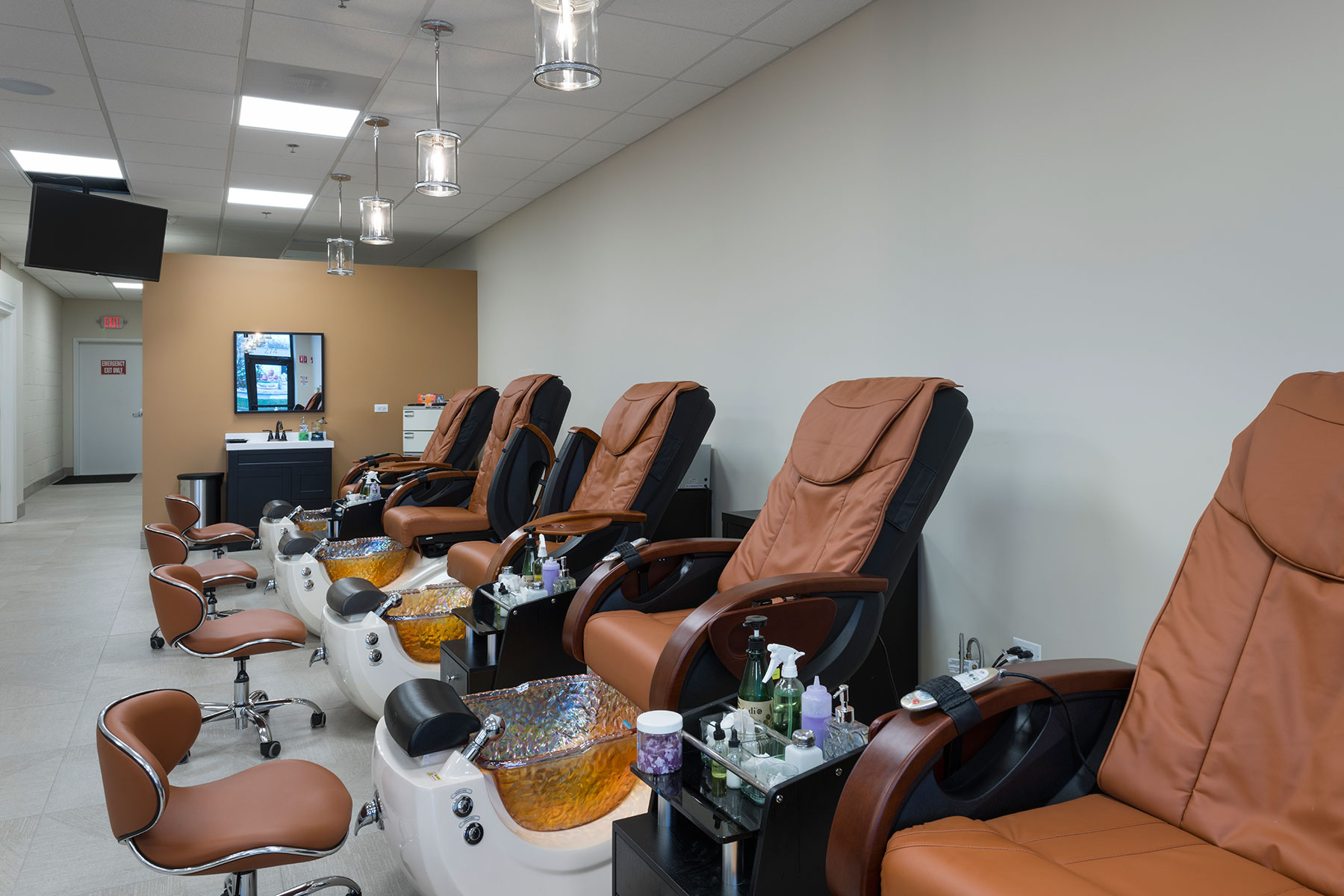 Salon Pedicure Chairs - Hollywood Trendz Hair & Spa Salon, Addison Custom Home. America's Custom Home Builders: New Construction, Remodeling, Restoration Services. Residential and Commercial.